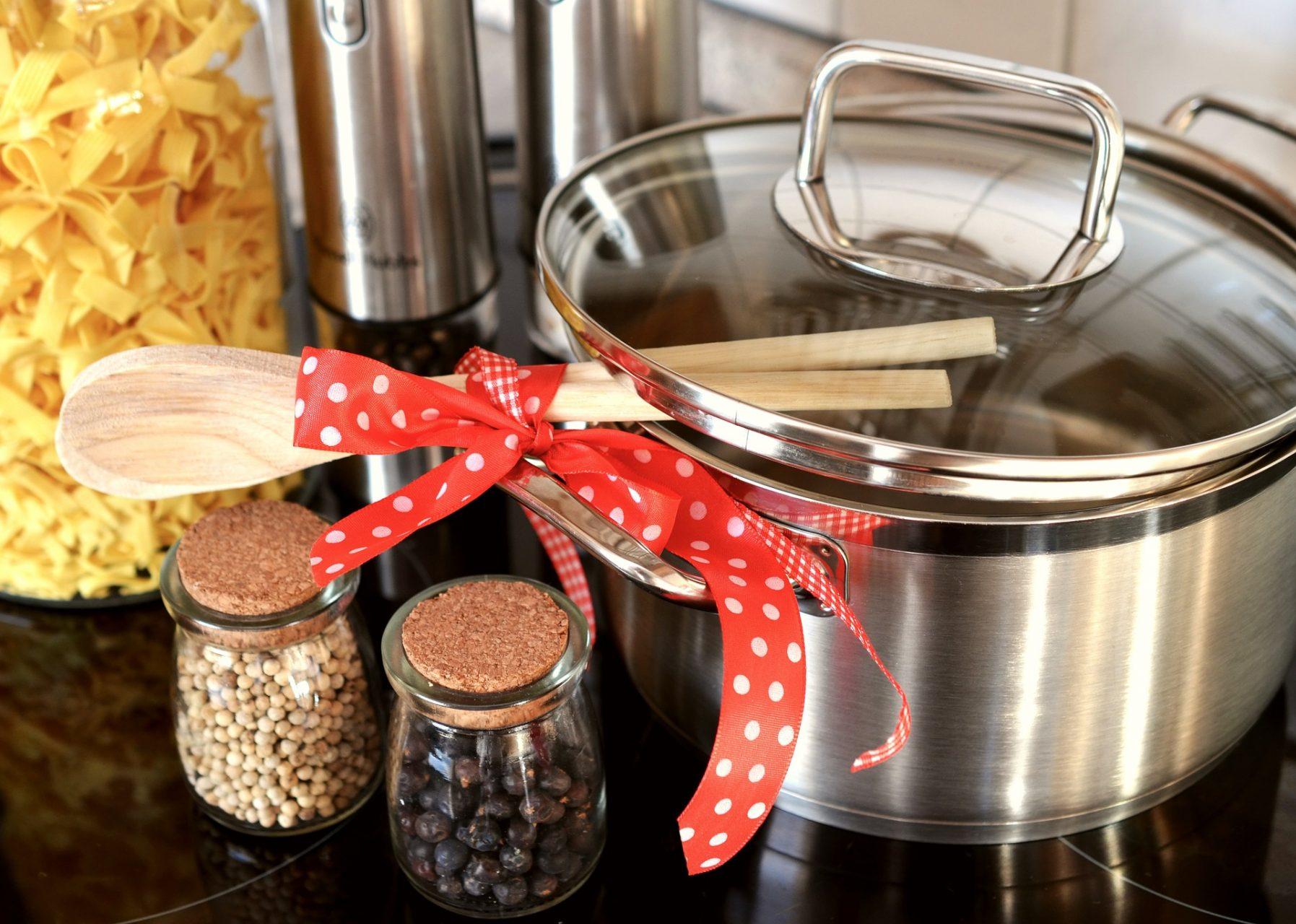 Kako očistiti aluminijske lonce Kako očistiti kuhunjske lonce