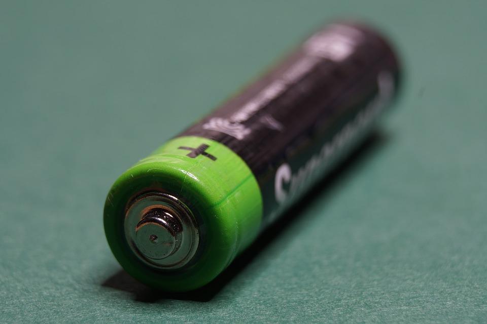 kako-baterija-daje-elektricnu-energiju-kemijskim-procesom-kako-hr-odgovori