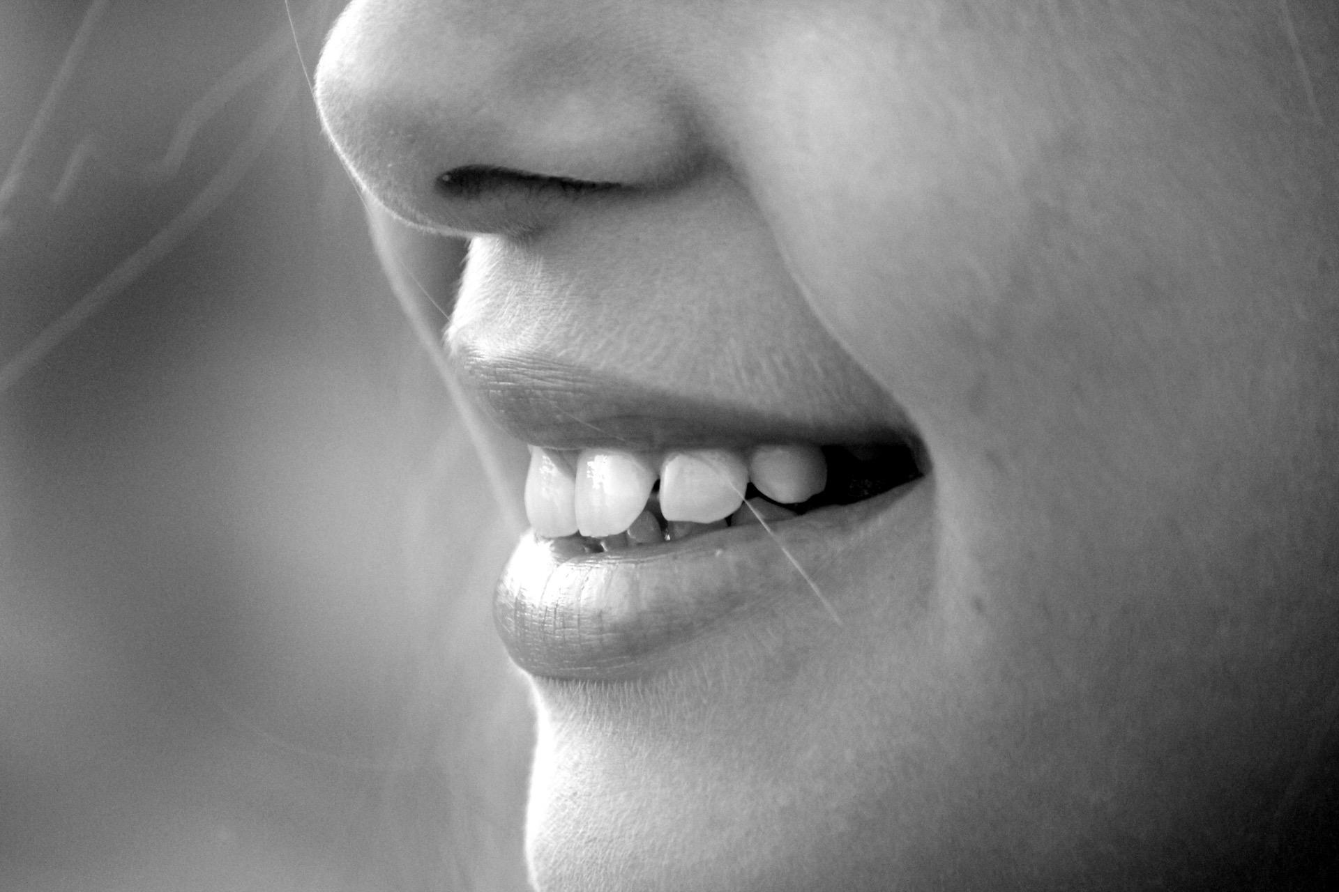 kako-izlijeciti-afte-kako-se-boriti-protiv-bakterija-u-ustima