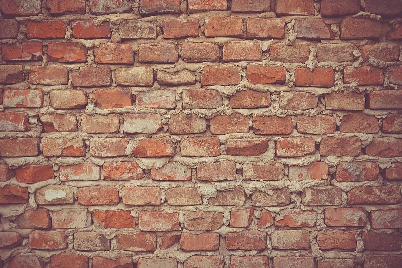 kako-obnoviti-zbuku-na-spojistima-zida-i-cigle-kako-hr