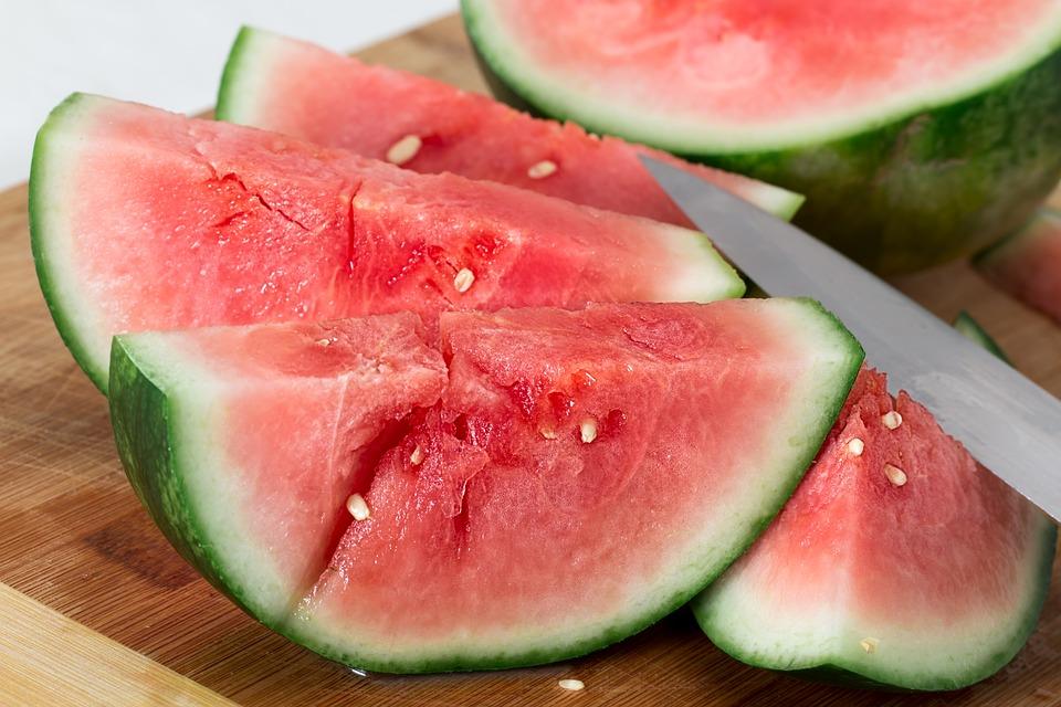 kako-odabrati-i-prepoznati-lijepu-kvalitetnu-lubenicu-kako-hr