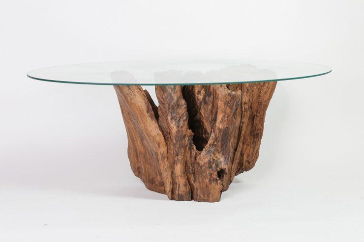 stakleni stol ogrebotine
